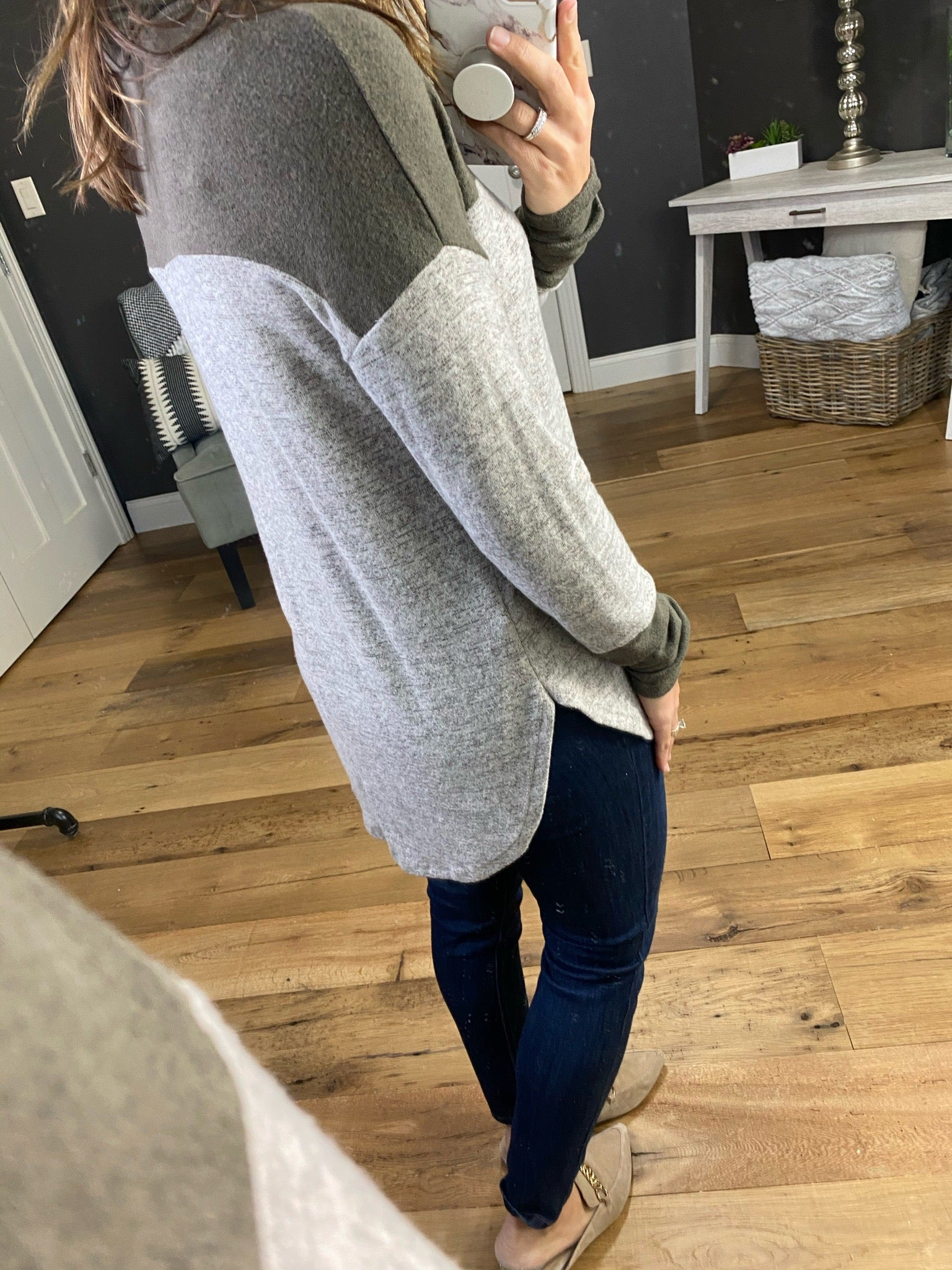 Middle Ground Heather Grey & Dark Olive Colorblock Cowl Neck Long Sleeve