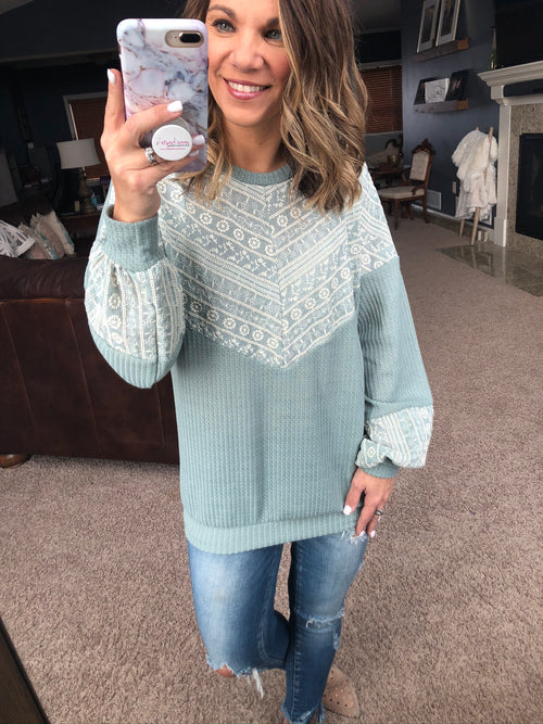 Wanting To Be Seen Sage Long Sleeve w. Lace Embroidery