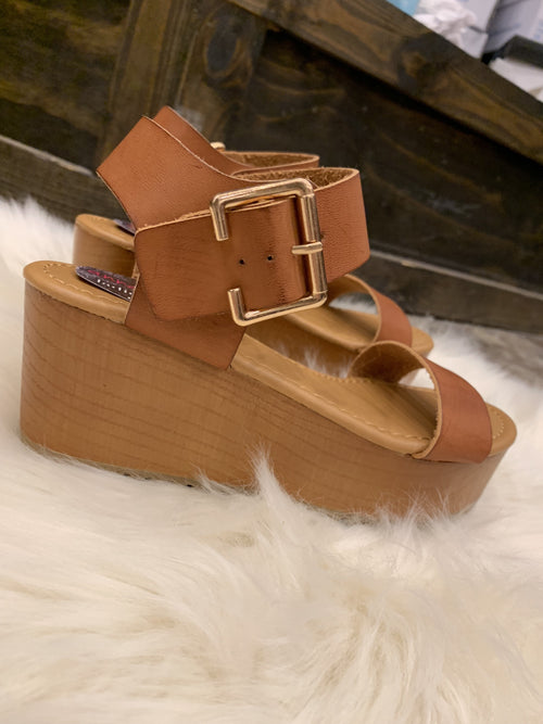 Weekend Rules Platform Sandals- Tan