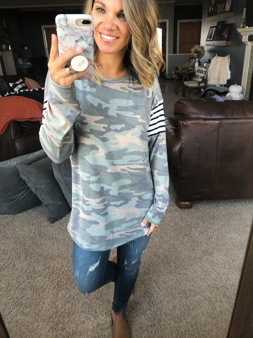Feeling Unstoppable Camo Long Sleeve w. Striped Detail