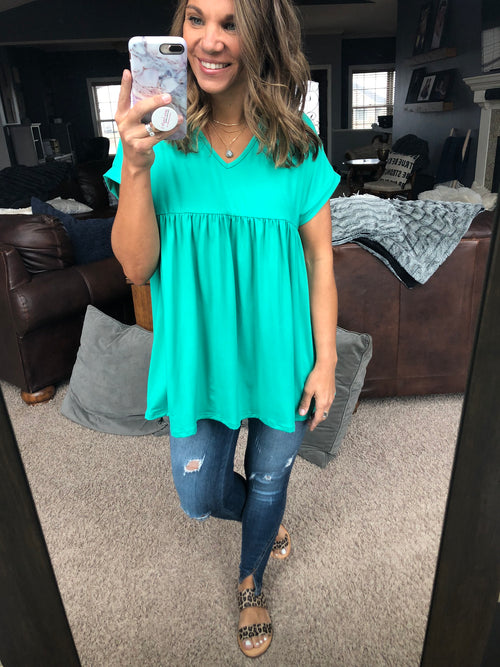 Feeling Sparks Empire V Neck Tee - Green