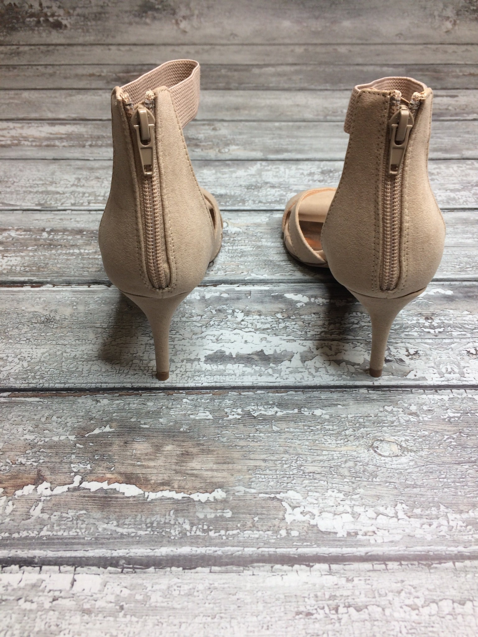 Stepping Out Nude Kitten Heel