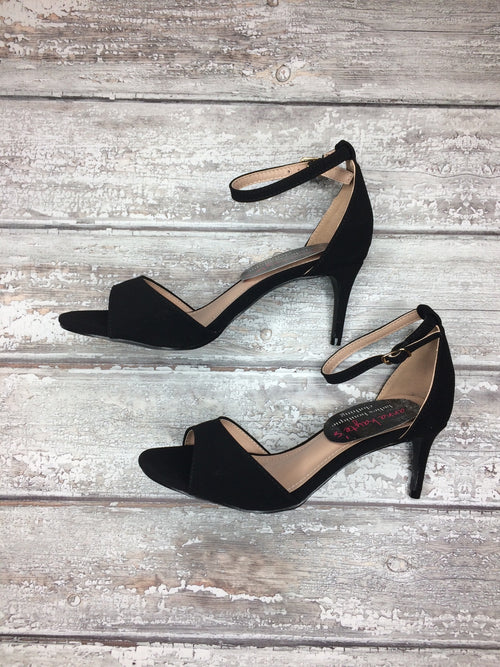 Stepping Out Black Kitten Heel