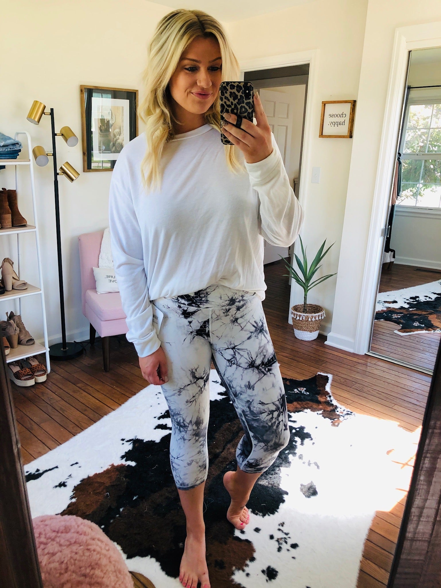Hitting My Stride White & Black Marble Capri Legging