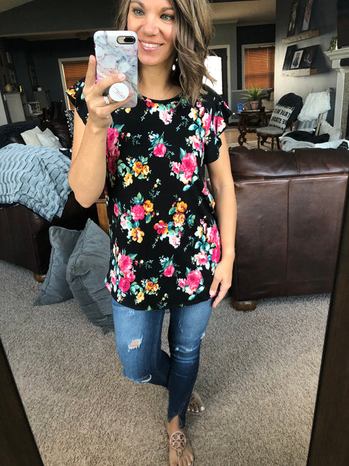 Can't Top This Floral Top w/ Ruffle Sleeve - Black