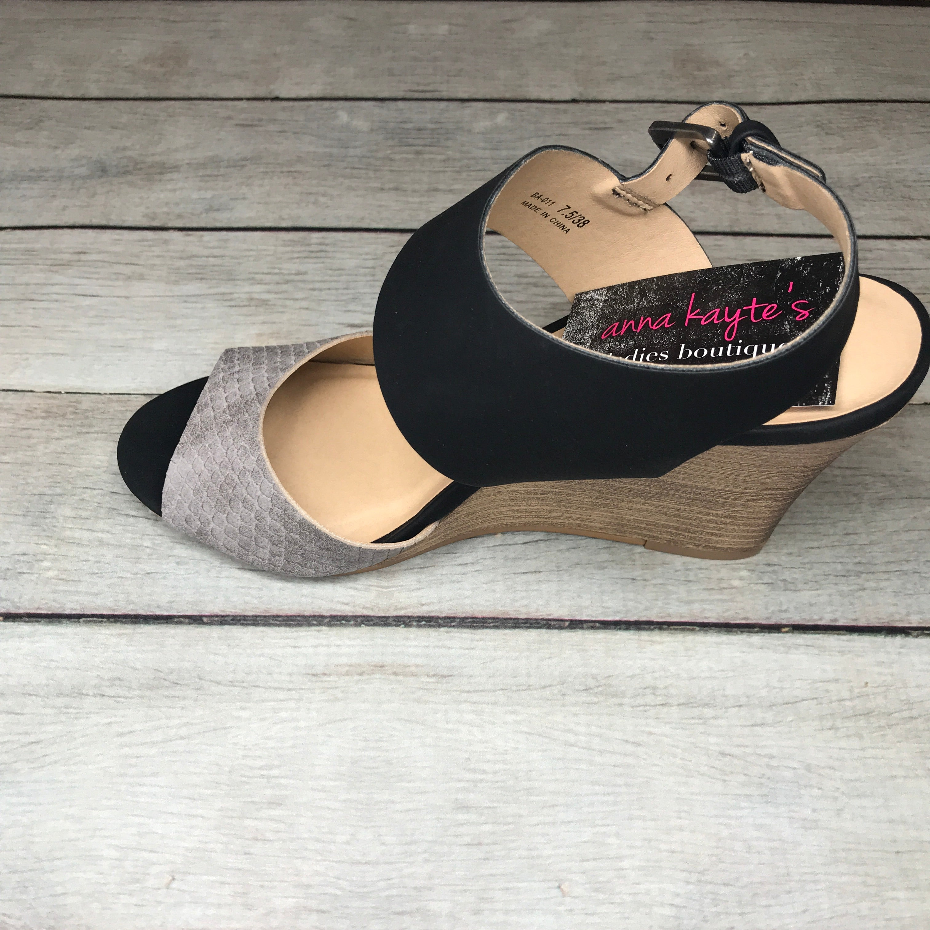 Jersey Girl Black and Snake Detail Wedges