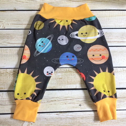Space Friends Organic Knit Pants - Little Green Bird