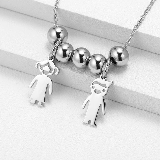 Family Engraved Pendant Necklace | Dorado Fashion