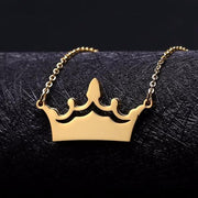 Engraved Crown Necklace | Dorado Fashion