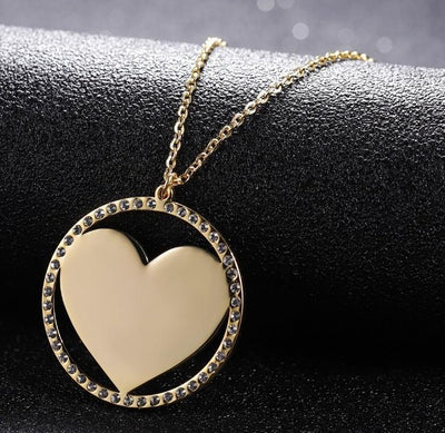 Iced Out Heart Engraved Necklace | Dorado Fashion
