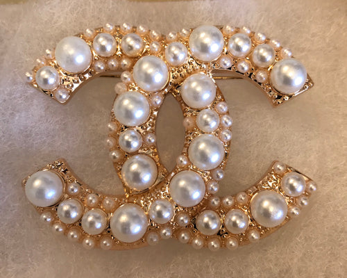 Lisa Double CC Pearl Cluster Brooch