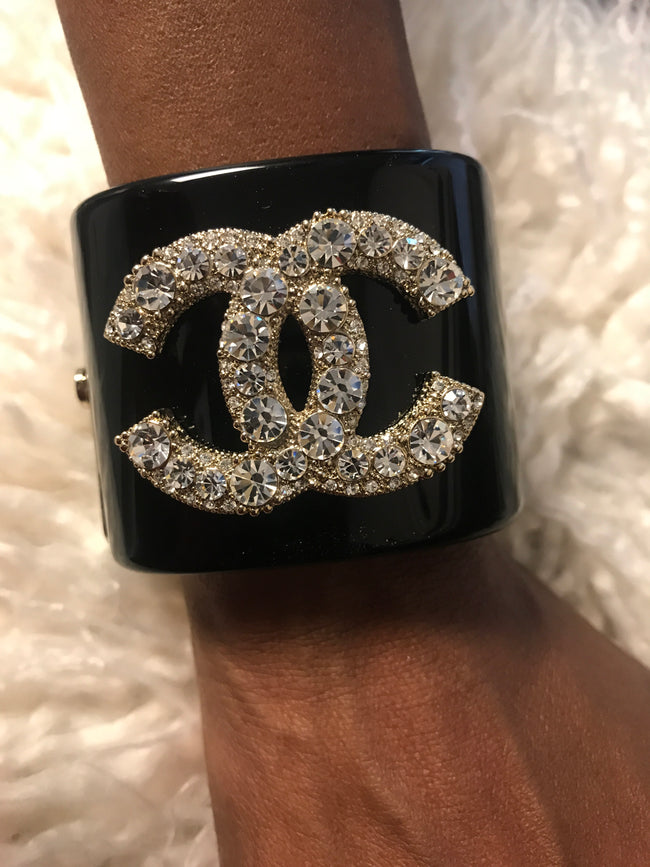 Double CC Acrylic Round Diamond Cuff
