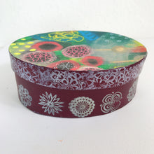Art Box with abstract Design