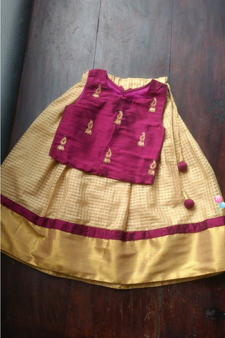 Deep Violet Top And Beige Skirt Onam Wear (LEW00018)