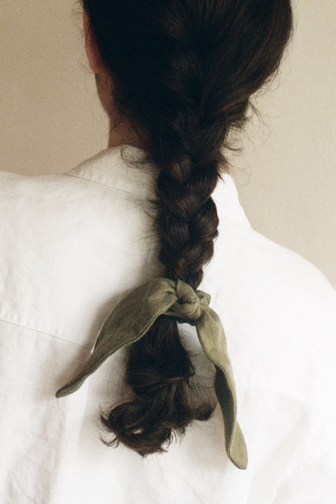 Knotted Scrunchie With Tie