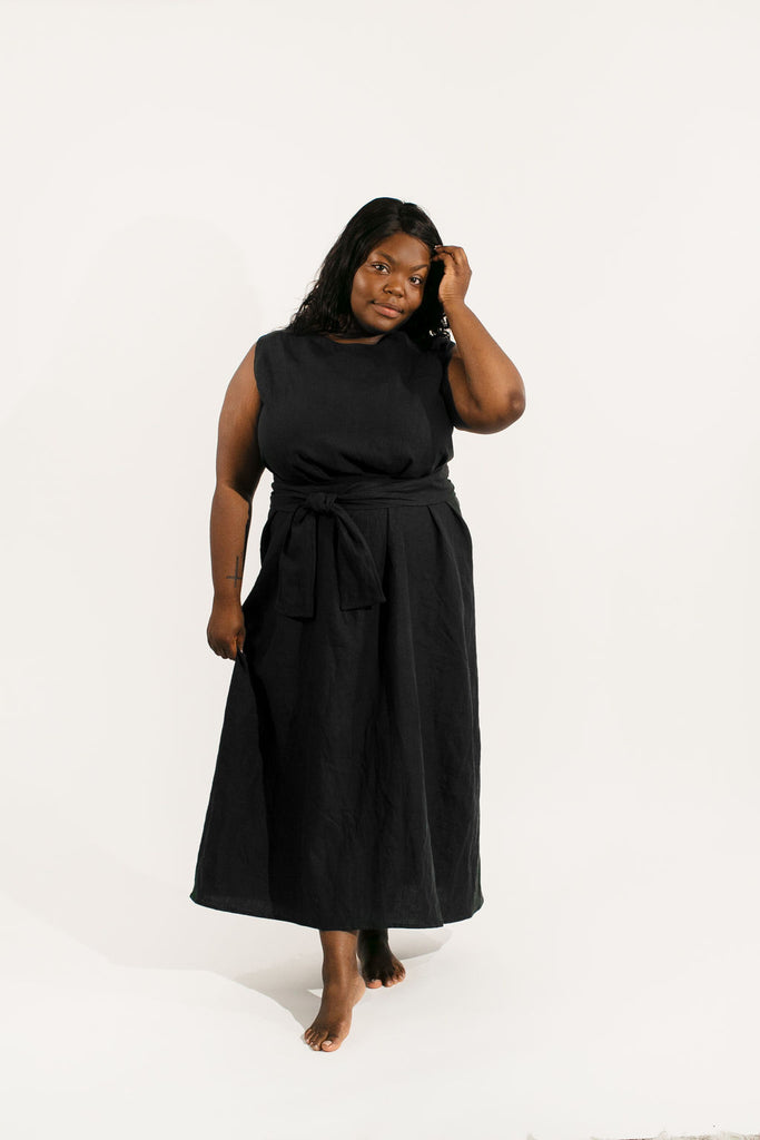 Large Kayo Dress in Black Linen - Sample