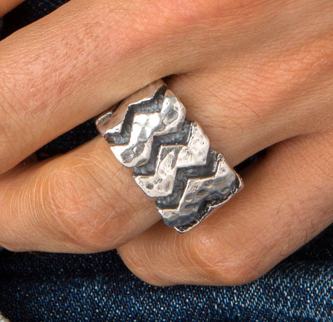 Mens Zig Zag Band Ring
