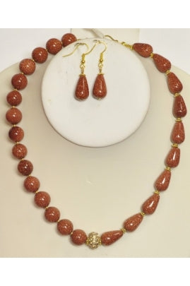 Sandstone Bead and Central-Drilled Drop Necklace Set