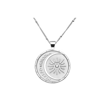 STRONG JW Small Pendant Coin (Mi Alzo Ancora) in Silver