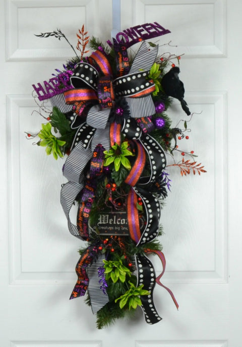 Halloween Trick-or-Treat Swag Wreath