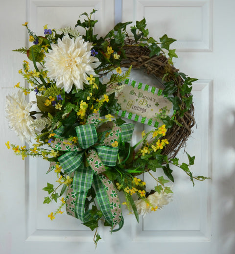 St Patrick's Day Greeting Wreath