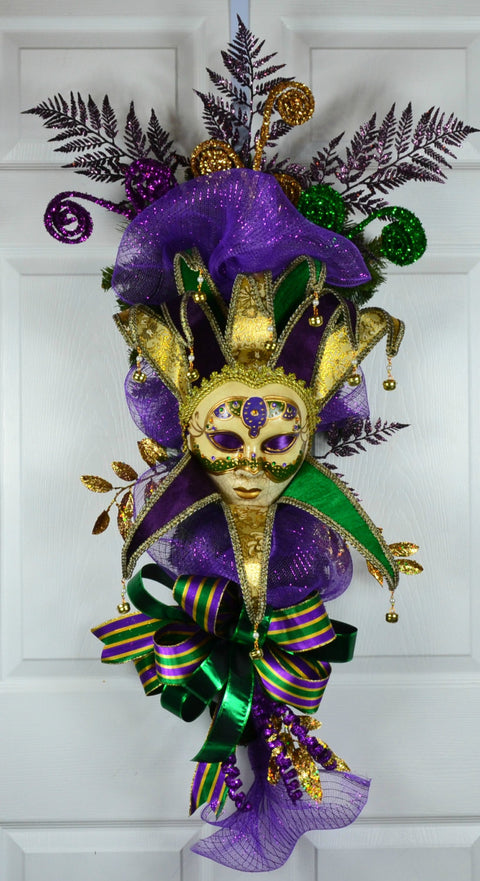 Till Mardi Gras Swag with Jester Mask