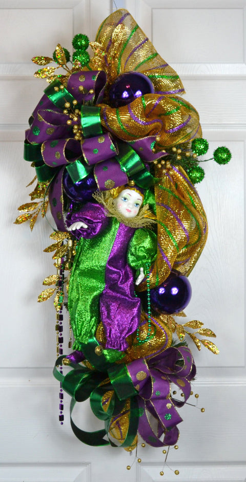 Lipsome Mardi Gras Swag with Ceramic Doll