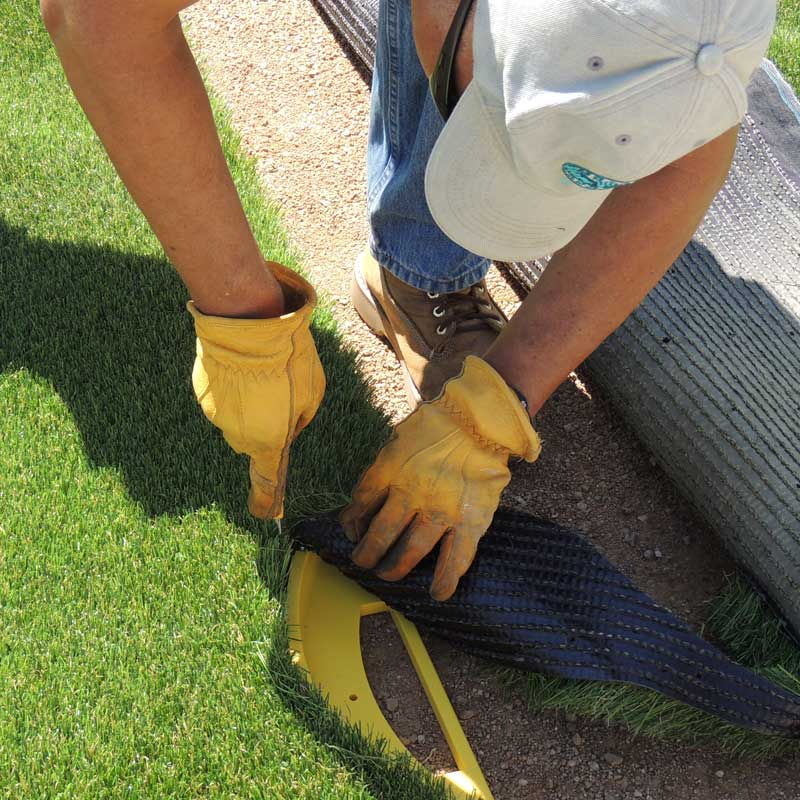 how to cut synthetic artificial grass turf from the top and make seams undetectable with the best professional tool