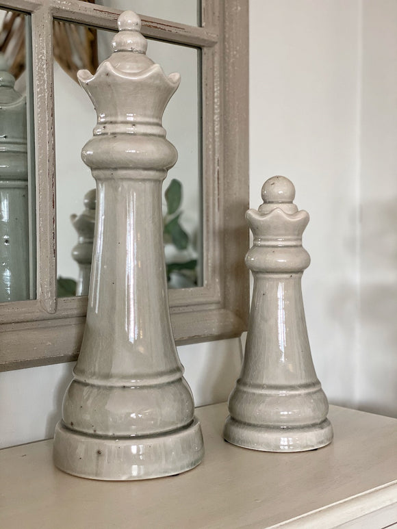 Pair of King & Queen Chess Pieces