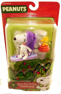 Peanuts Charlie Brown Christmas  - Snow Fun Snoopy 5.25