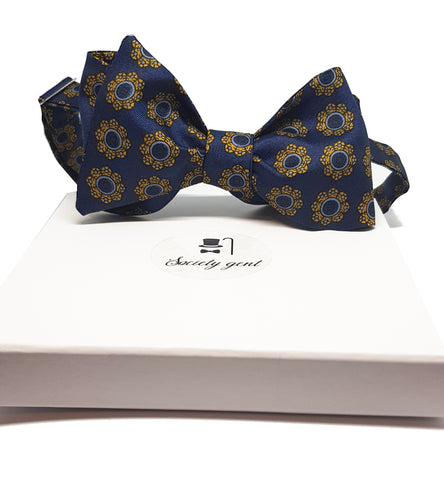 silk-bow-ties-what-fabric-for-a-bow-tie-societygent