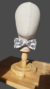 The Tour De Yorkshire White Bow Tie with Bicycle Motifs Pre-Tied