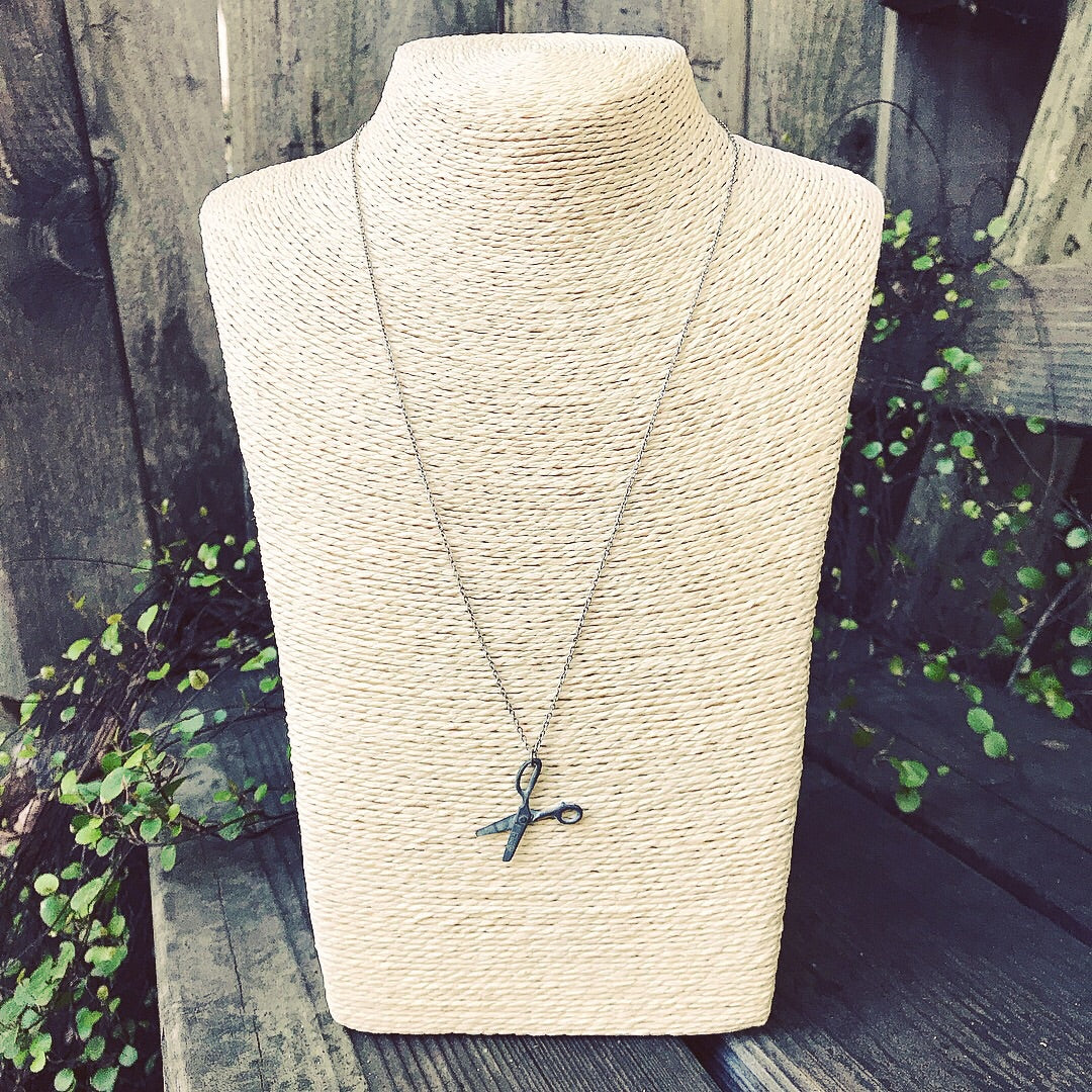 Silver scissors necklace