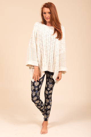 Falala Leggings in Black Snowflake
