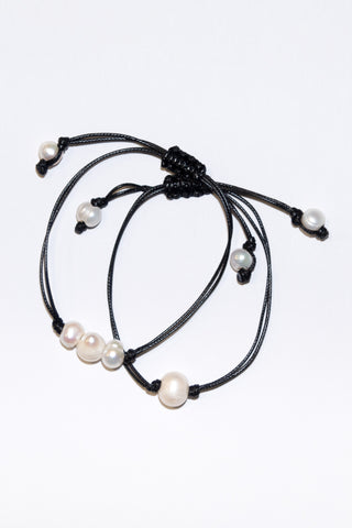 Good Vibes Anklet in Triple Pearl