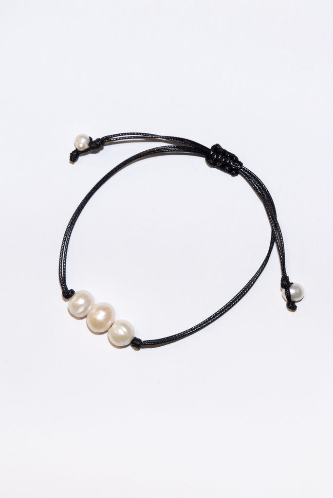 Good Vibes Bracelet in Triple Pearl