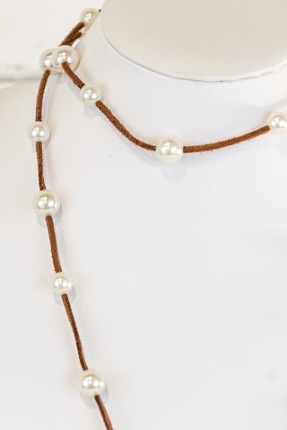 Signature Pearls in Tan