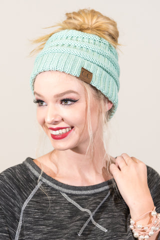 Messy Bun Beanie in Mint