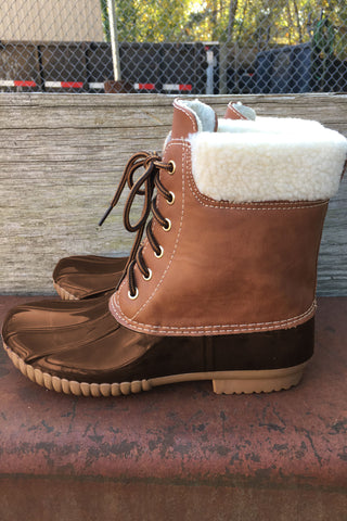 Duck Boots in Brown With Fur