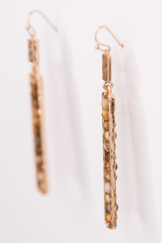 Elizabeth Earrings in Natural