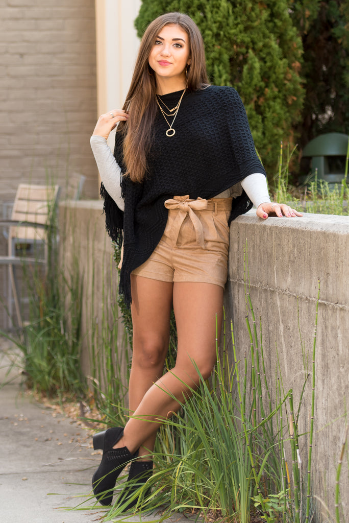 Countryside Chic Shorts in Taupe