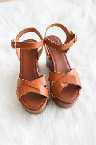 Summer Stroll Wedges in Tan