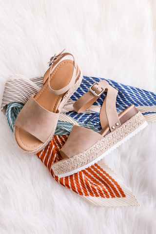 Aloha Life Sandals in Natural