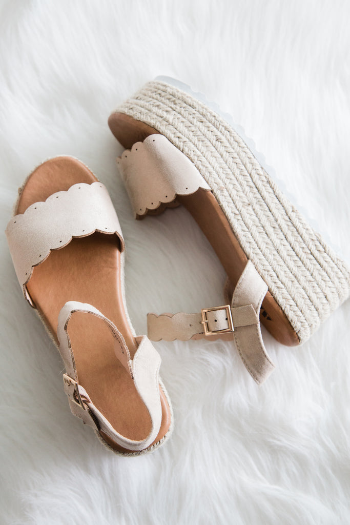 Passion Paradise Platforms in Nude