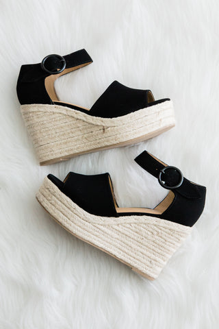 Island Getaway Wedges in Black