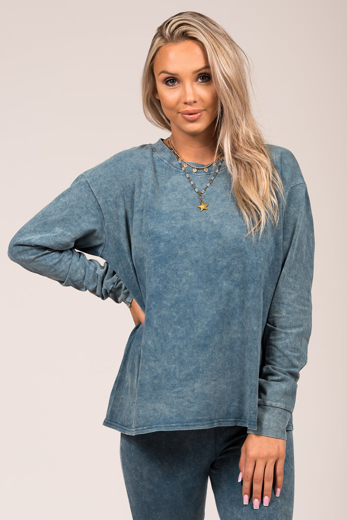 Down to Chill Top in Blue
