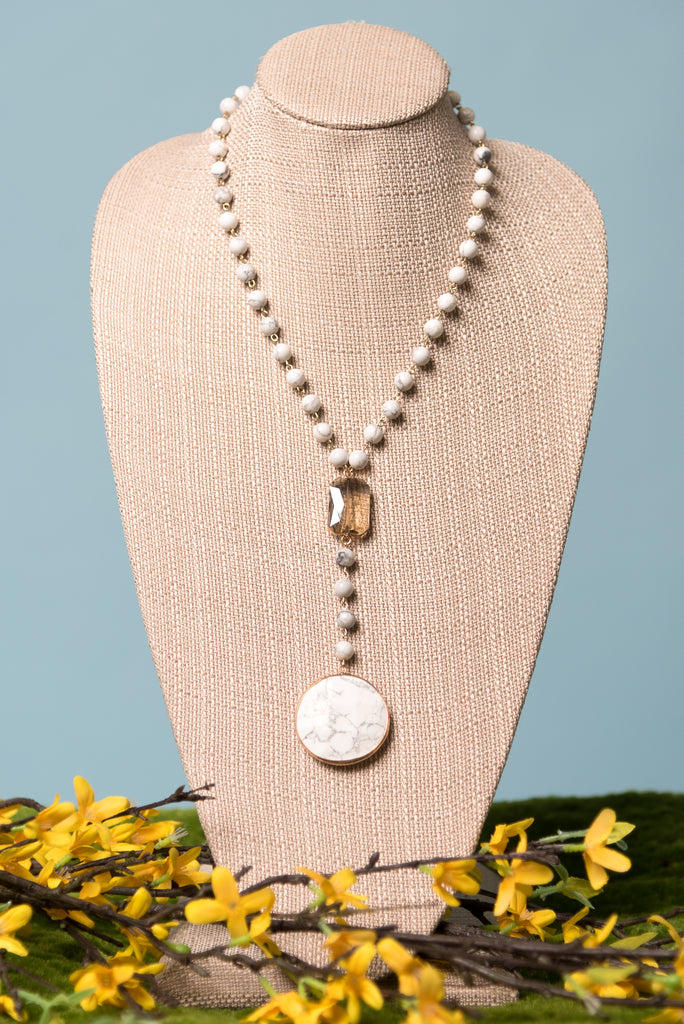 Peyton Necklace in White Marble