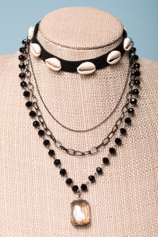Bonnie Necklace in Black Felt Choker