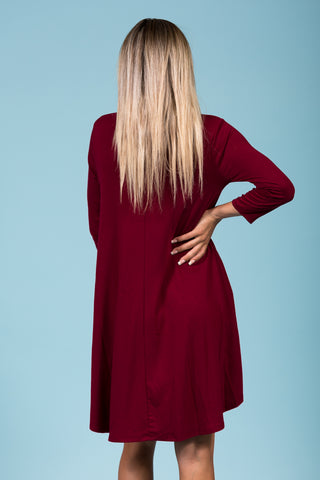 Syracuse V-Neck Dress in 3/4 Sleeves in Cabernet