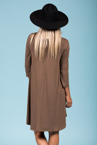 Syracuse Crew Neck Dress in 3/4 Sleeves in Mocha